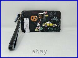 Disney Dooney & and Bourke New York City Minnie Mouse Mickey Wristlet Wallet NWT