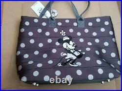 Harveys Seatbelt Disney Steamboat Willie Mickey Minnie Mouse Medium