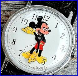 Mickey Mouse Watch INGERSOLL Vintage MOD WORKS Box Papers Walt Disney Prod 1960