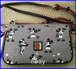 Nwt Disney Dooney & Bourke Mickey & Minnie Mouse Pouchette Crossbody Gray Black