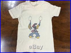 Rare 1970s 1980s Mickey Mouse Cowboy Gun BOYS SMALL T-Shirt Walt Disney T- Shirt